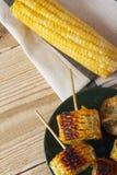 Kukurydzani cobs gotujący na grillu zdjęcia royalty free