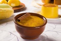 Kukurydzany Curau smakowity i tani - typi - typowy jedzenie zielona kukurudza - zdjęcie royalty free