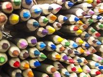 Kulör blyertspennaförsäljning Arkivfoton