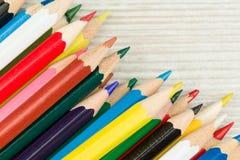 kulör blyertspennarad Arkivbild