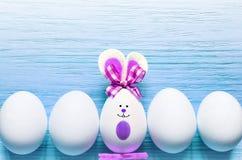 Kulör kanin för easter ägg lyckliga easter Arkivbilder