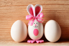 Kulör kanin för easter ägg lyckliga easter Fotografering för Bildbyråer