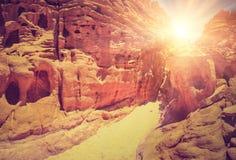 Kulör kanjon av Egypten Nuweiba Södra Sinai Royaltyfri Fotografi