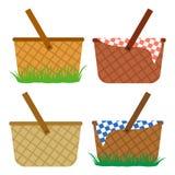 Kulör uppsättning av vide- korgar Korgar i gräset, för ett mål, för en picknick vektor vektor illustrationer