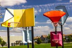 Kulöra basketbeslag för olik höjd royaltyfria foton
