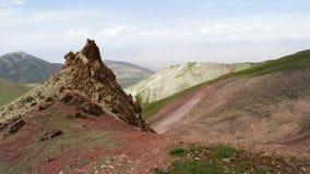 kulöra berg Rött Pamir Arkivbilder