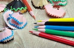 kulöra blyertspennashavings royaltyfria foton