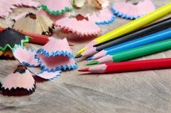 kulöra blyertspennashavings royaltyfri fotografi
