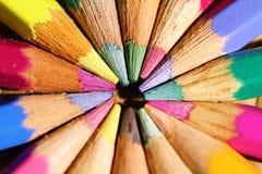 kulöra blyertspennor för cirkel Royaltyfri Bild