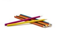 kulöra blyertspennor flera Arkivfoto