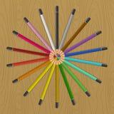 Kulöra blyertspennor som fläktar cirkeln Royaltyfria Foton