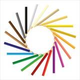 Kulöra blyertspennor som samlas i en cirkel Royaltyfri Bild