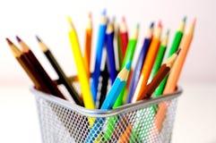 kulöra crayons Arkivfoto