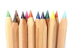kulöra crayonsblyertspennor Arkivbilder