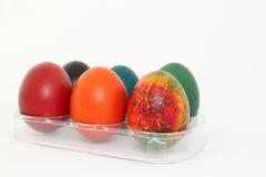 kulöra easter ägg isolerade white Arkivfoton