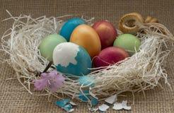 kulöra easter ägg arkivfoton
