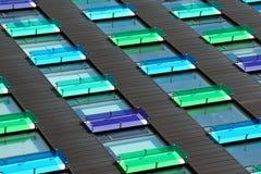 Kulöra fönster Arkivfoto