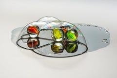 Kulöra glass bollar inom såpbubblorna stock illustrationer