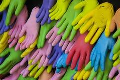 Kulöra handskar shoppar in Royaltyfria Bilder