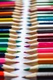 kulöra mång- blyertspennor Royaltyfria Foton