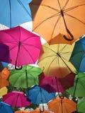 kulöra paraplyer arkivbilder