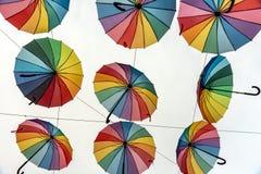 Kulöra paraplyer för stolthet Arkivbild