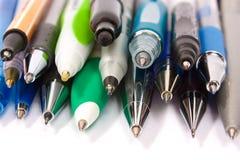 kulöra pennor för ballpoint Fotografering för Bildbyråer