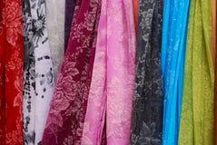 kulöra scarfs Fotografering för Bildbyråer