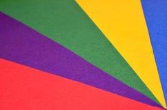 Kulöra trianglar som göras av papper Royaltyfria Foton
