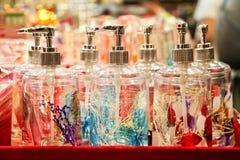 kulört exponeringsglas för flaskor Arkivfoton