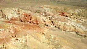 kul?ra rocks Flyget över rött vaggar bildande i sydliga berg Antennskott, 4K arkivfilmer