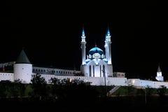 Kul-Sharif moské i den Kazan Kreml på natten Royaltyfri Bild
