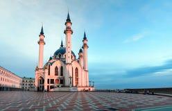 Kul-Shariff moské i strålarna av inställningssolen royaltyfria foton