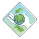 Kula ziemska w palmie - eco symbol Zdjęcie Royalty Free