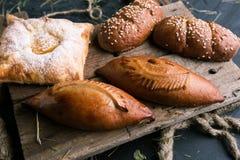 Kulebiaki z różnymi plombowaniami w restauracji fotografia royalty free