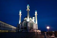 Kulen Sharif Mosque på natten fotografering för bildbyråer