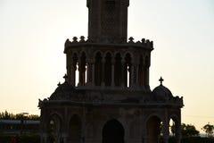 Kulesi do saat da torre do relógio de Izmir no quadrado do konak imagem de stock
