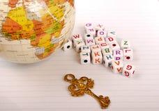 Kuli ziemskiej, klucza i sześcianu listy abecadło, Obrazy Stock