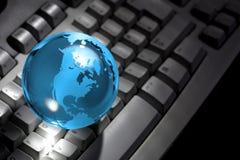 kuli ziemskiej komputerowa szklana klawiatura Fotografia Royalty Free
