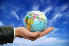 kuli ziemskiej ręka Fotografia Stock