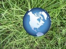 kuli ziemskiej trawy świat Zdjęcie Royalty Free