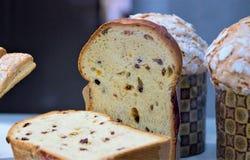Kulich för snitt muffin jämnt, för ferien av påsken arkivbilder