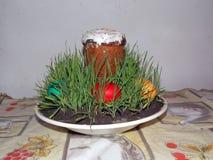 Kulich tradizionale russo ed ucraino del dolce di Pasqua -, pane di Paska Pasqua Fuoco selettivo fotografia stock