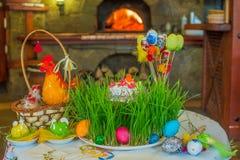 Kulich tradizionale russo ed ucraino del dolce di Pasqua -, Paska ea Fotografia Stock