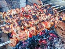 Kulinarna grill wieprzowina na węglach pieczone mięso Szybkie Żarcie Fotografia Royalty Free