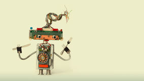Kulinarna konceptualna mechaniczna zabawkarska rozwidlenie łyżka Śmieszny szefa kuchni robota charakter dla restauracyjnego karmo Fotografia Royalty Free