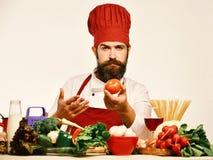 Kulinarnego procesu pojęcie Cook z ufną twarzą w Burgundy mundurze obraz royalty free