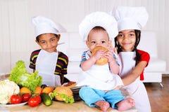 kulinarni dzieciaki zdjęcia royalty free