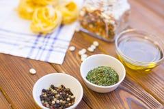 Kulinarni składniki na drewnianym stole Obrazy Royalty Free
