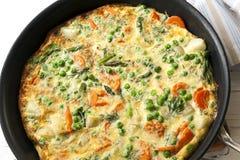 Kulinarny Frittata w Frypan Zdjęcie Stock